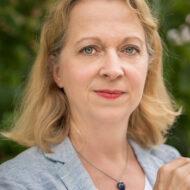 Mag. Karin Bayer
