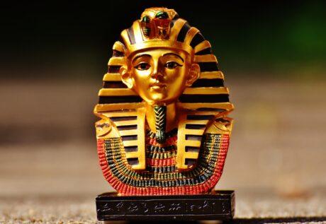 eine Pharao-Figur