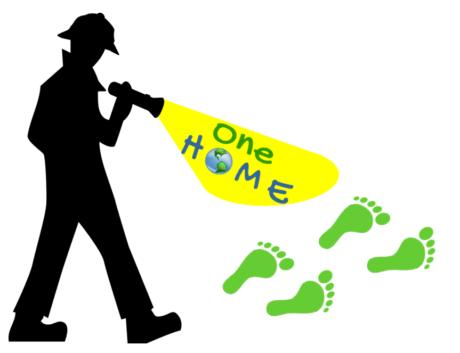 """ein Detektiv verfolgt grüne Fußabdrücke, im Licht seiner Taschenlampe steht """"One Home"""", wobei das """"o"""" die Erdkugel ist."""