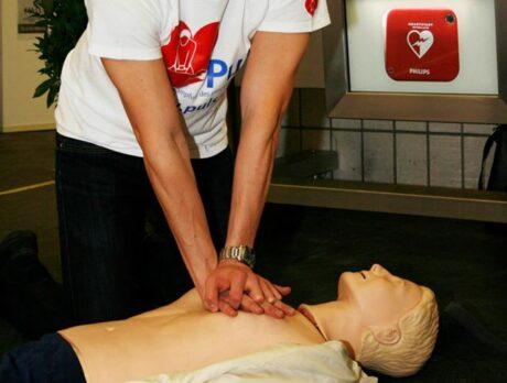Reanimationstraining, Herzmassage mit Puppe